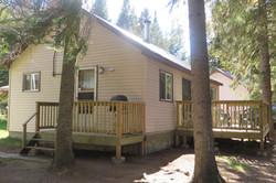 Lakefront 4 bdrm. Cabin