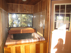 Hot Tub Lakefront Retreat