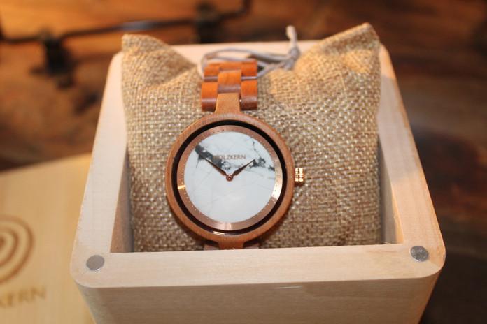Uhr von Holzkern