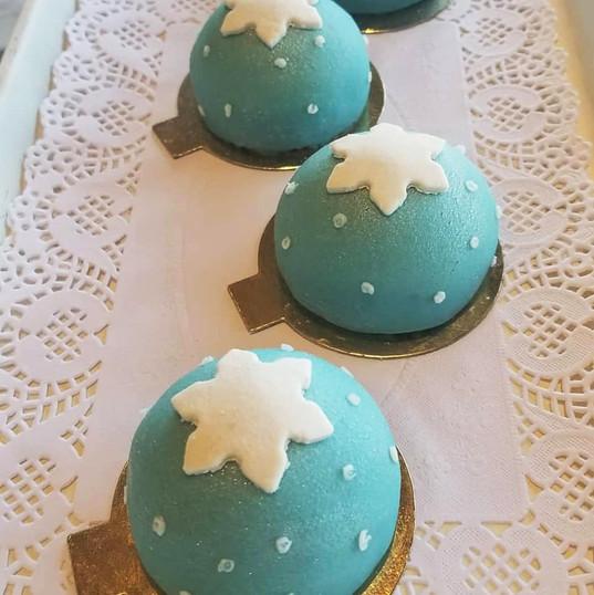 Mini Christmas Princess Cake - Maribel Castañeda