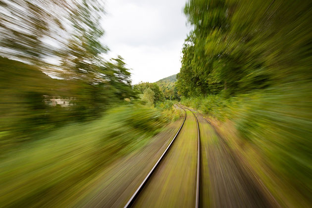 Traditional Data analytics and BI systems: a slow-track to