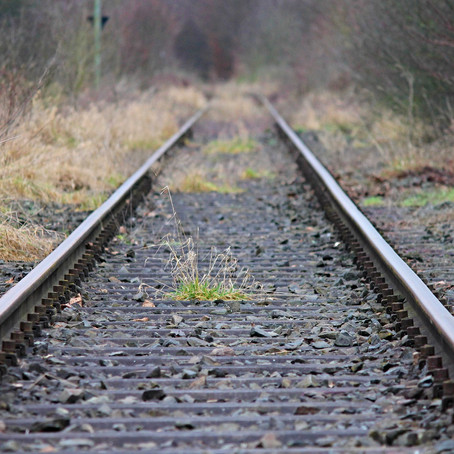 Traditional Data analytics and BI systems: a slow-track to nowhere?