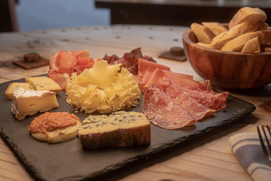 Cheese Platter_La Cabane©StudioKW.jpg