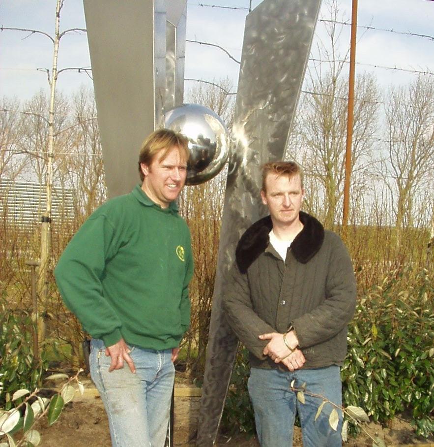 .... alweer 14 jaar geleden: Tuin Totaal op de Floriade 2002 met de RVS kunstwerken van Ronald A. Westerhuis. #trowback #Floriade2002
