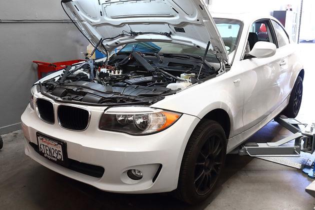 2012 BMW 128i 3 0L Valve Cover Oil Leak & Misfire
