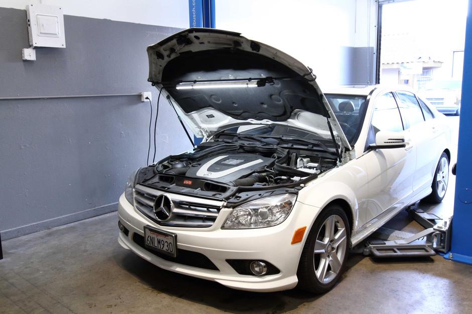 2010 Mercedes-Benz C300 Air Conditioning System Leak Repair & Recharge