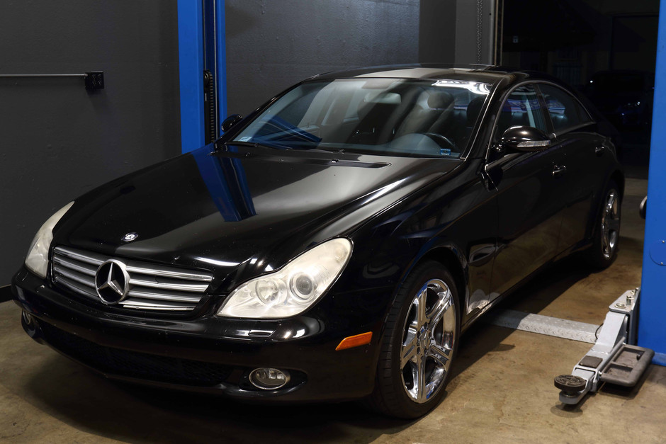 Mercedes W219 CLS500 Rear Brake Service & Air Spring Replacement