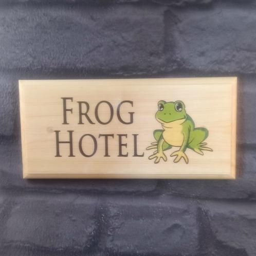Frog Hotel Sign