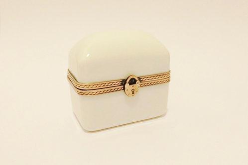 Limoges Box L023
