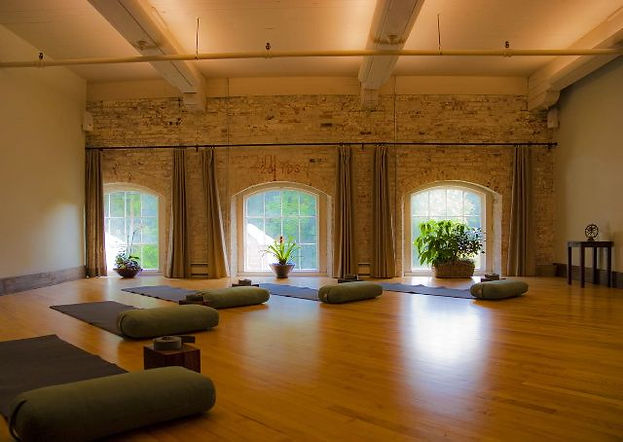 208-best-yoga-studio-design-images-on-pi