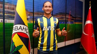 Vítor Pereira leva Miguel Crespo