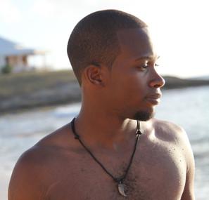Julz headshot on beach