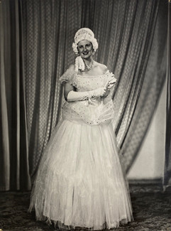 1954 The Student Prince_Shirley Cooke as