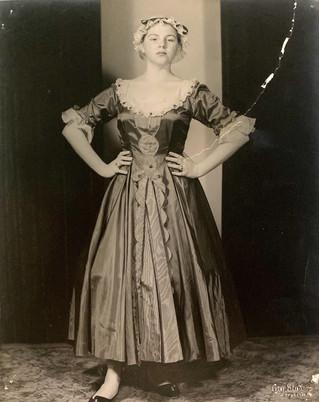1957 New Moon_Joan Brackstone as Clotild