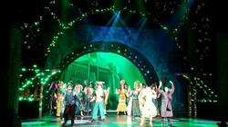oz on stage'