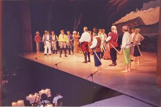 Pirates of Penzance 1988_pop88 02.jpg