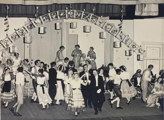 Merry Widow 1962_Cakewalk Dress rehearsa