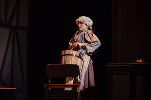 Lucinda Horn as Little Cosette.jpg