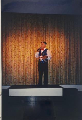 2002 Theatre Restaurant_MC Rod Wilson.jp