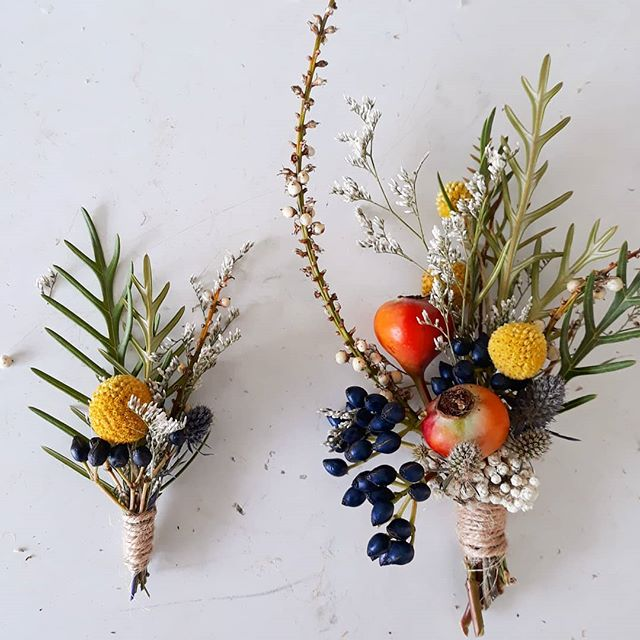 Dried flower button holes