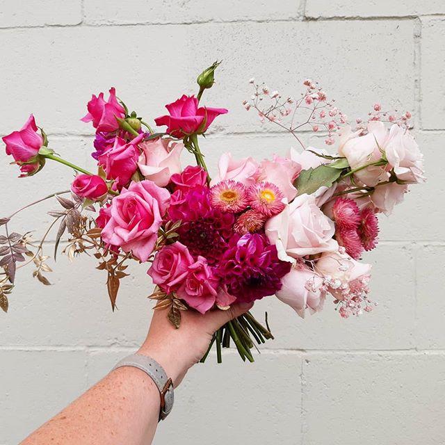 A punchy @kakarikiflowers rose filled bo