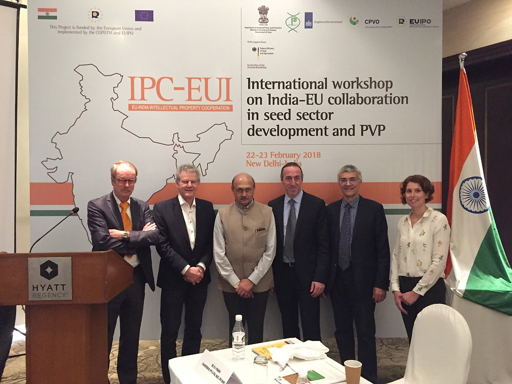 Picture above (l. to r.): Theo Ruys, Moerheim Roses & Trading India, Maarten Leune, RAI/CIOPORA Board, Dr. K. V. Prabhu, Chairperson OOV & FR Authority, Dr. Edgar Krieger, CIOPORA, Bruno Etavard, Meilland Int./CIOPORA Board, and Yael Miara, Grapa/CIOPORA.