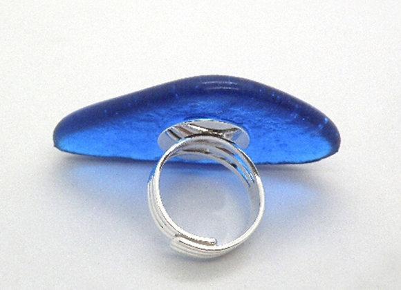 Detalhe da base do Anel em vidro da Coleção Morpho