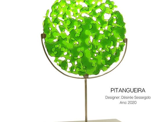 Pitangueira, escultura em vidro e aço inox de Désirée Sessegolo