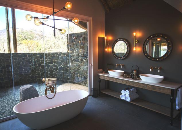 HONEYMOON BATHROOM.jpg