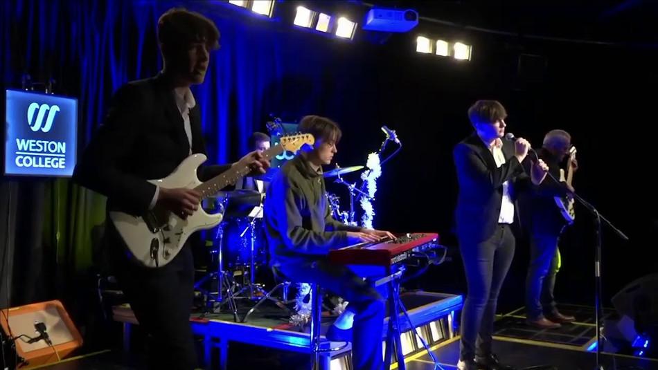 Loxton Live FE Show
