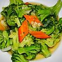 Брокколи в чесночном соусе 300г