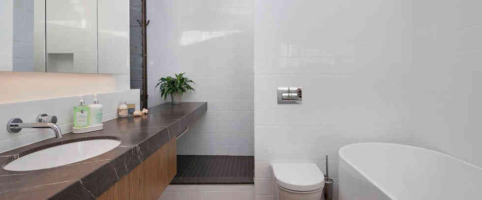Fantail Room Private Bathroom | Newton Heights B&B