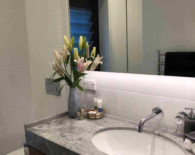 Bellbird Room Private Bathroom   Newton Heights B&B