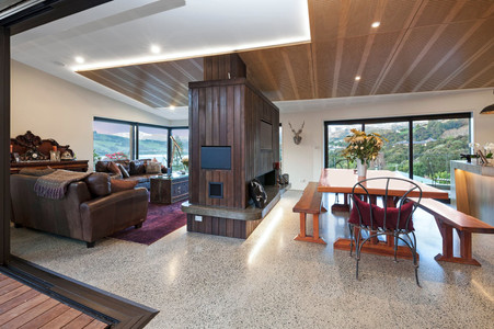 Shared Living & Dining Room | Newton Heights B&B