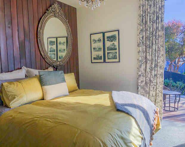 Tui Room | Newton Heights B&B