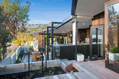 Outdoor Terrace Outside the Tui, Pukeko, and Fantail Room | Newton Heights B&B