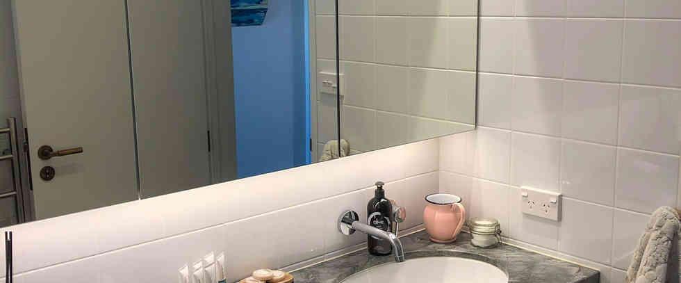 Tui Room Private Bathroom | Newton Heights B&B