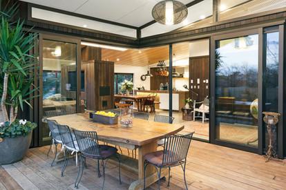 Shared Outdoor Terrace | Newton Heights B&B