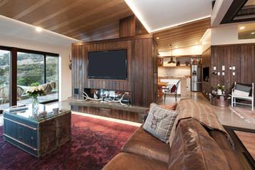 Shared Living Room   Newton Heights B&B