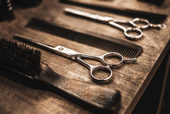 accessories-haircuts-are-shelf-salon_114