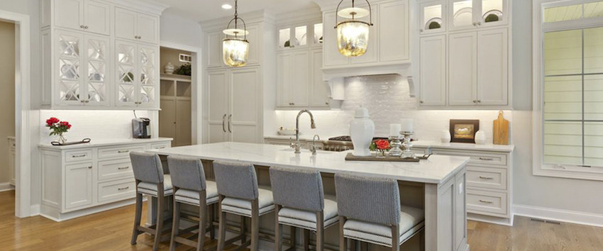 Custom gourmet kitchen by the Robert Lucke Group in Twin Fences of Indian Hill, Ohio