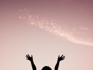 """Vuelve tus ojos a Jesús"""