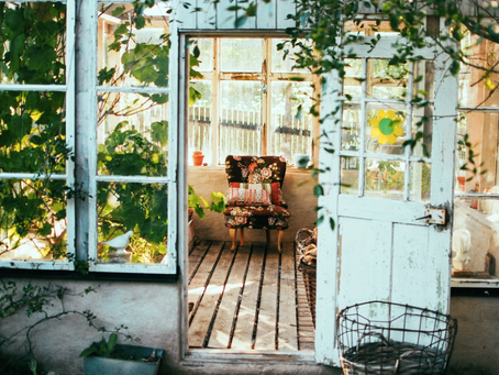 How to Upgrade Your Garden's Summer House For Year-Round Use