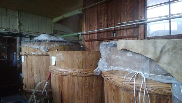 醤油桶、工場内