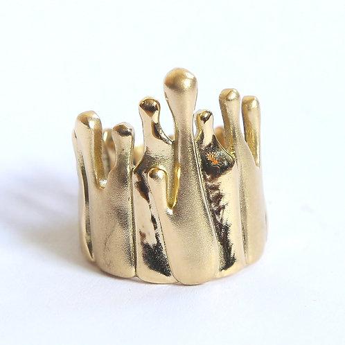 Level 7: 18k Gold Gravity Ring