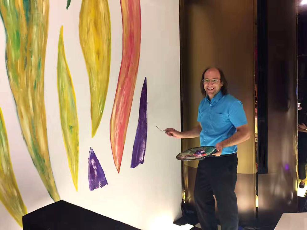 Antonio Wehrli painting live at Armani Casa Chengdu