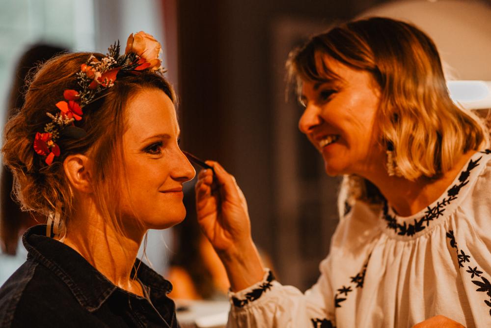 Préparatifs mariage bord de mer maquillage mariée Bio