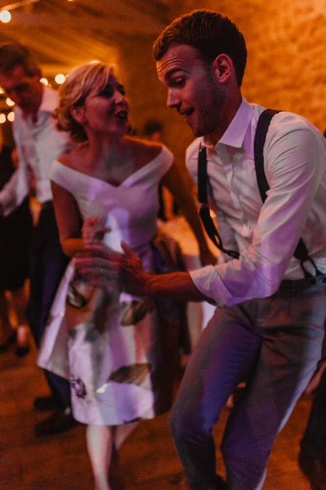 photographe mariage bohème Ardèche Rhône Alpes ambiance danse soirée