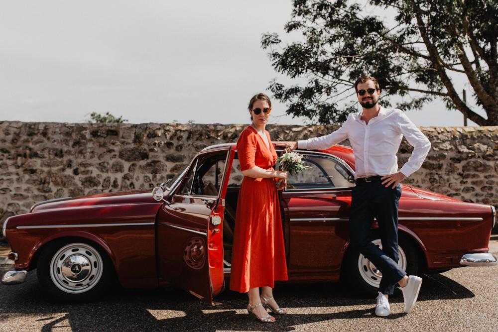 photographe mariage Ardèche Rhône Alpes couple vieille voiture