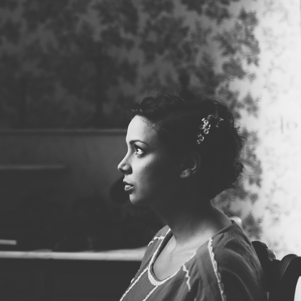 photographe mariage bohème Ardèche Rhône Alpes préparatifs portrait témoin
